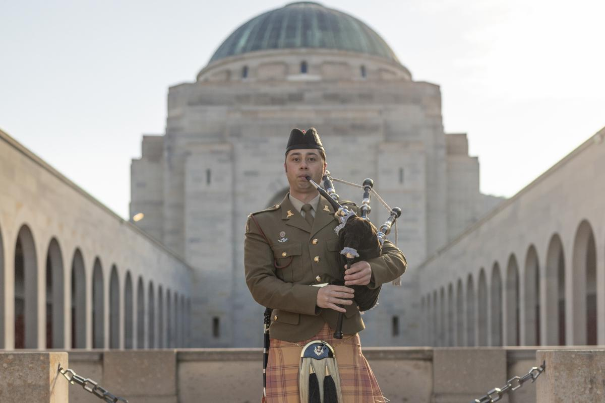 Piper Musician David Leaders, of the Band of the Royal Military College, plays at the Australian War Memorial, Canberra. Photo: Jay Cronan