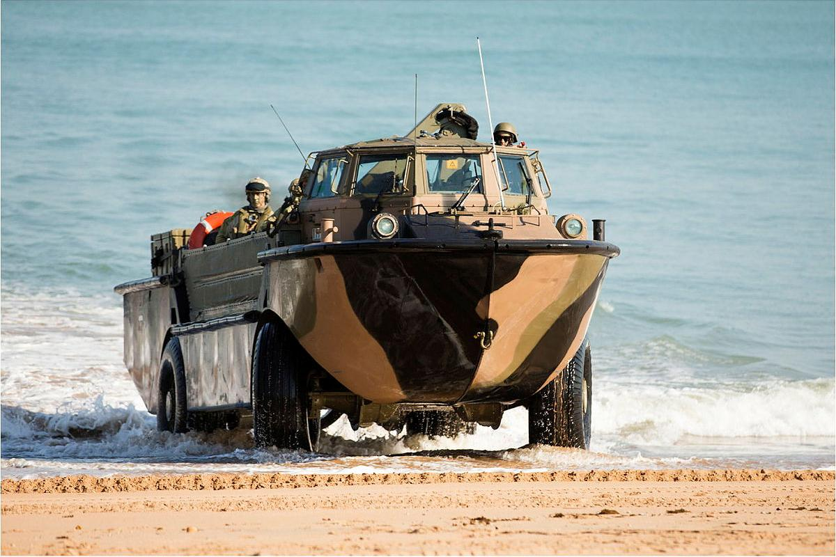 A LARC-V lands with soldiers of 2nd Battalion, Royal Australian Regiment during the amphibious assault at Fog Bay in the Northern Territory for Exercise Talisman Sabre 2015. Photo: Sergeant Mark Doran