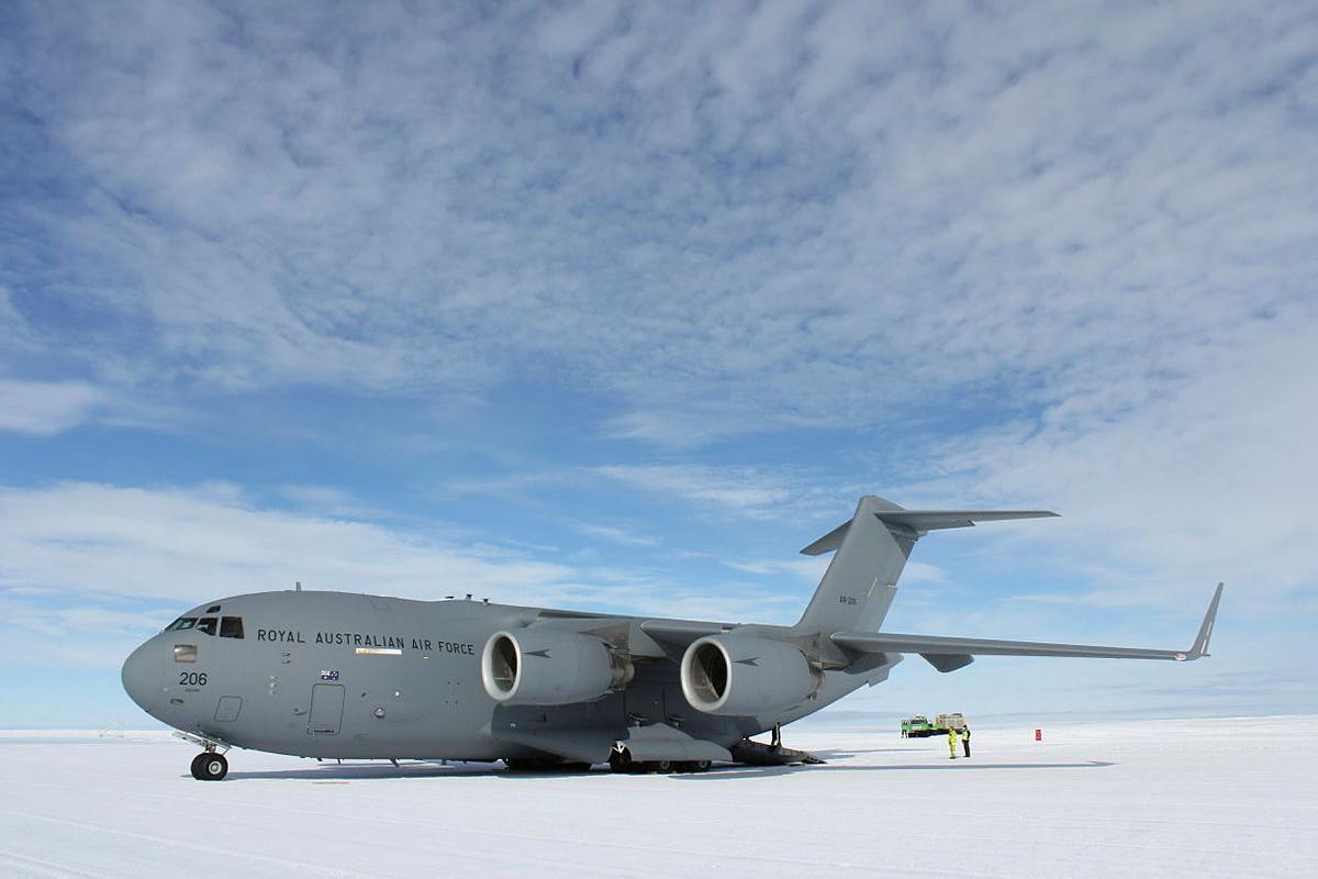 A RAAF C-17A Globemaster III at Wilkins Aerodrome in Antarctica during Operation Southern Discovery. Photo: Michael Wright