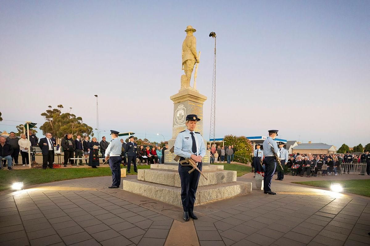 Members of No. 83 Squadron take part in the catafalque party during the 2021 Anzac Day service held at the Cenotaph, Moonta, SA. Photo: Leading Aircraftman Stewart Gould