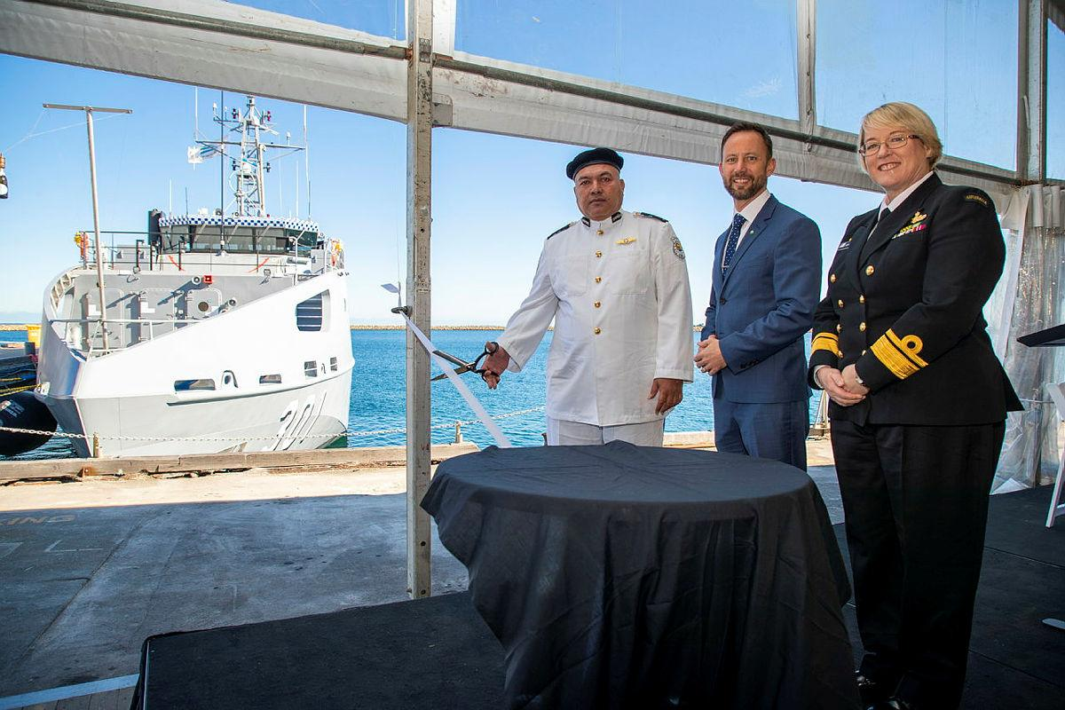 Commanding Officer Superintendent Tom Redfern cuts the ribbon for RKS Teanoai II accompanied by Stirling MP Vince Connelly and Navy's Head of Maritime Systems Rear Admiral Wendy Malcolm. Photo: Leading Seaman Richard Cordell