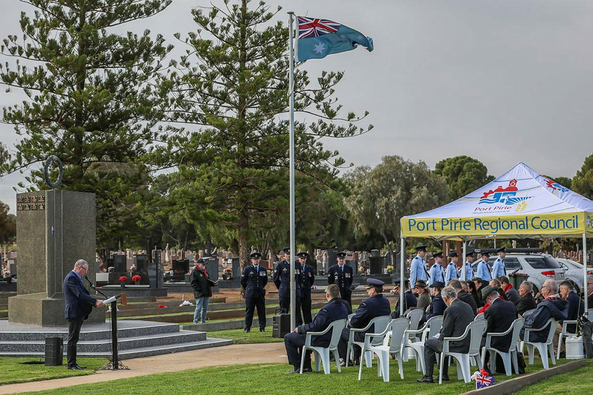 Air Force personnel and members of the Port Pirie community commemorate the 80th anniversary of the loss of 22 aircrew under training at Port Pirie during World War II at Port Pirie Cemetery, SA. Photo: Corporal Brenton Kwaterski