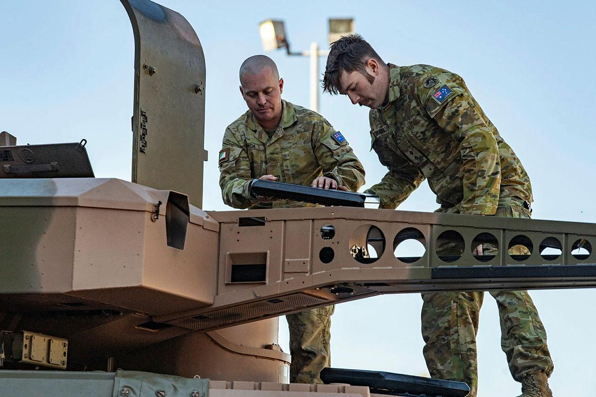 Members of 2/14 Light Horse Regiment (Queensland Mounted Infantry), undertake a Boxer turret conversion course at Gallipoli Barracks, Enoggera. Photo: Private Jacob Hilton