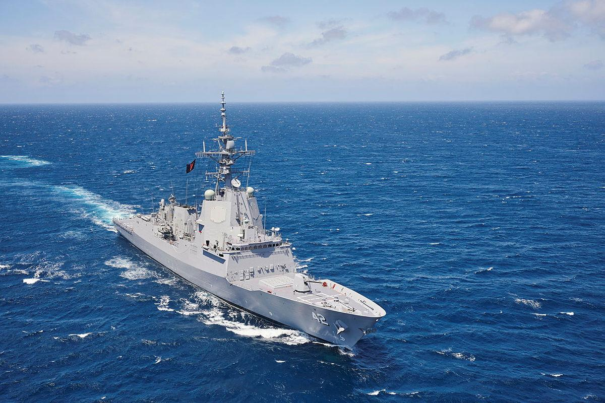 HMAS Sydney conducts manoeuvres off the South Coast of NSW late last year. Photo: Peter Beeh