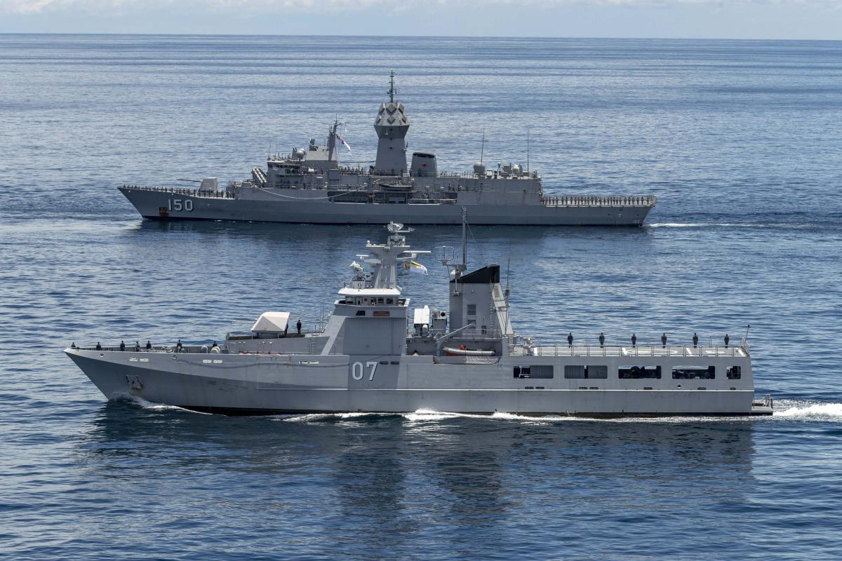 HMAS Anzac sails in company with Royal Brunei Navy ship KDB Darulehsan during Indo-Pacific Endeavour 21. Photo: Leading Seaman Leo Baumgartner