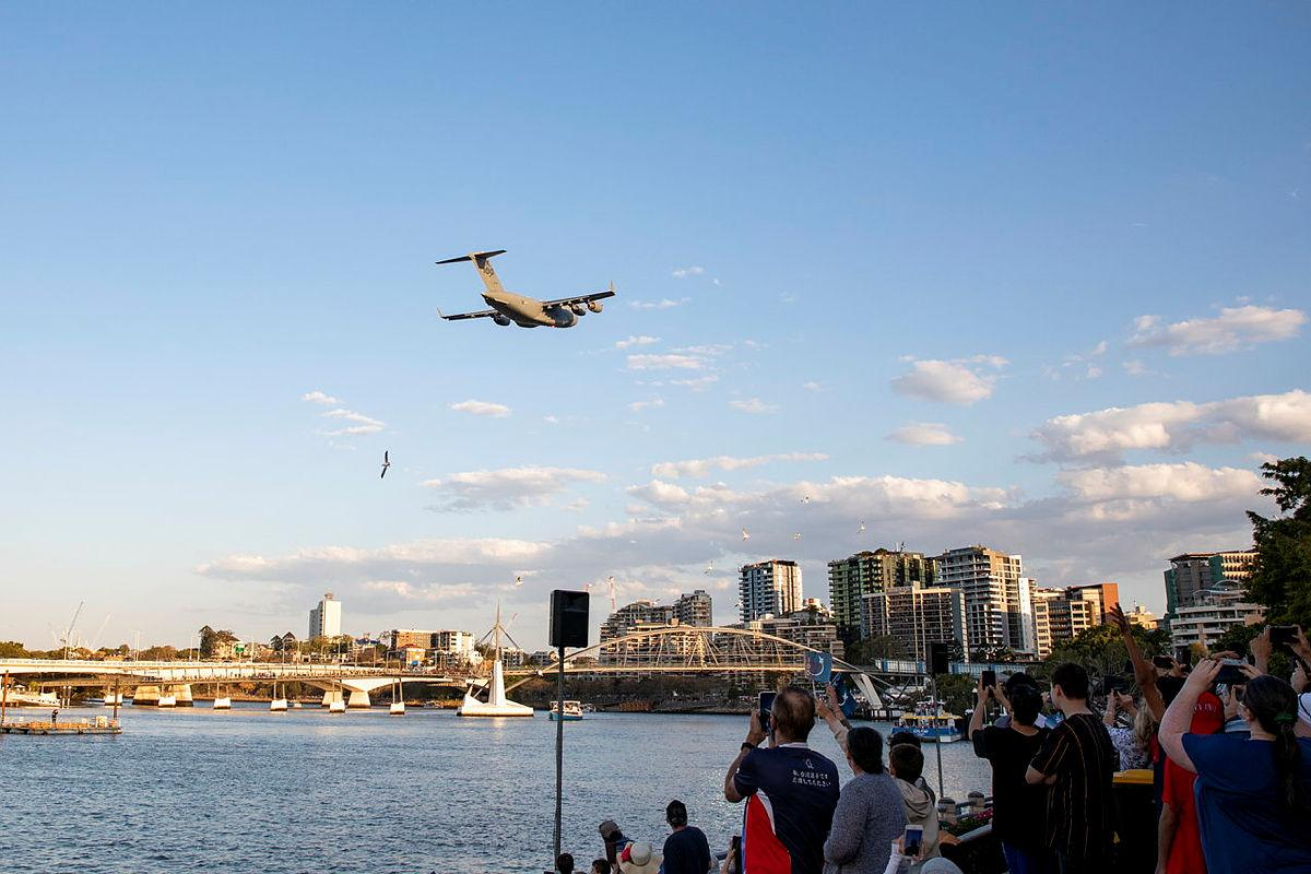 A C-17A Globemaster III aircraft from No. 36 Squadron at RAAF Base Amberley, conducts a low-level flight over the Brisbane CBD during Sunsuper Riverfire. Photo: Leading Aircraftwoman Emma Schwenke